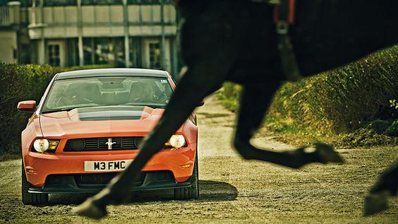 Ford Mustang Boss 302 http://www.autorevue.at/best_of_test/modellvorstellung/ford-mustang-boss-302-phil-waldeck-helmut-gansterer.html