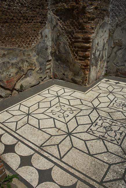 Deail of the mosaic floor in Hadrian's Villa