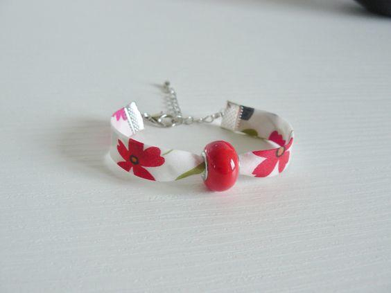 Bracelet Liberty Mirabelle avec perle rouge passante : Bracelet par les-bijoux-de-poe