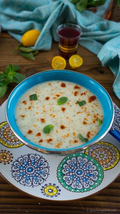 Türkische Joghurtsuppe mit Minze und Paprikapulver http://gaumenpoesie.com/tuerkische-joghurtsuppe/