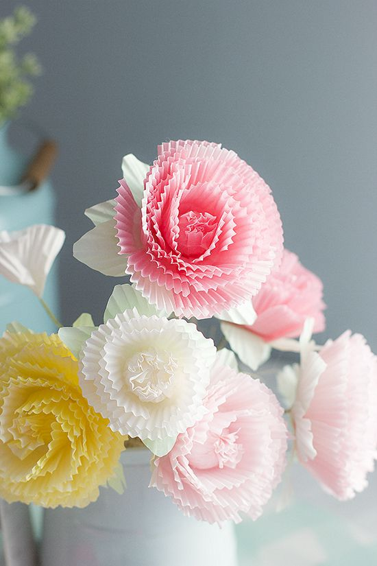 How to make paper flowers with muffin paper cups