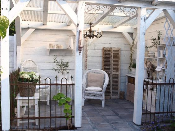 I need a covered porch like this diy pinterest for Shed with covered porch