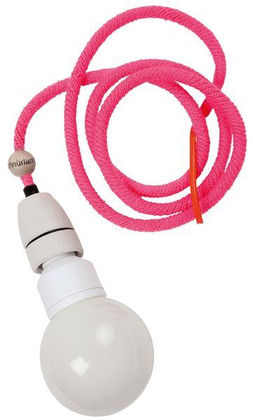 *schnürlampen* sind Wollumhäkelte Lampenkabel mit Porzellanfassung.  Gestaltung und Herstellung : Leif Petersen  Exklusive Leuchtmittel!