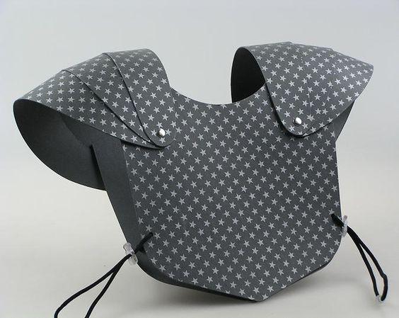brustpanzer l sst sich sicher auch einfach selbst machen kost me pinterest. Black Bedroom Furniture Sets. Home Design Ideas