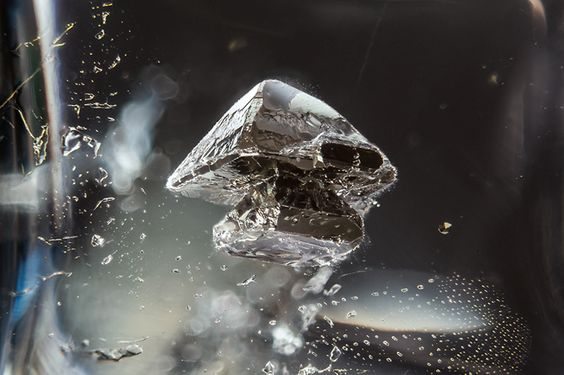 Metal Sulfide in Quartz - The Art of Photomicrography: Gemstone Inclusions by Danny Sanchez