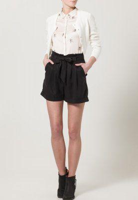 mint & berry Shorts 44,95€
