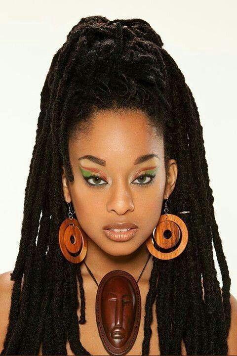 Epingle Par Curtis Coleman Sur Ebony Queens Coiffure Et Beaute Styles De Coiffures Idees De Coiffures