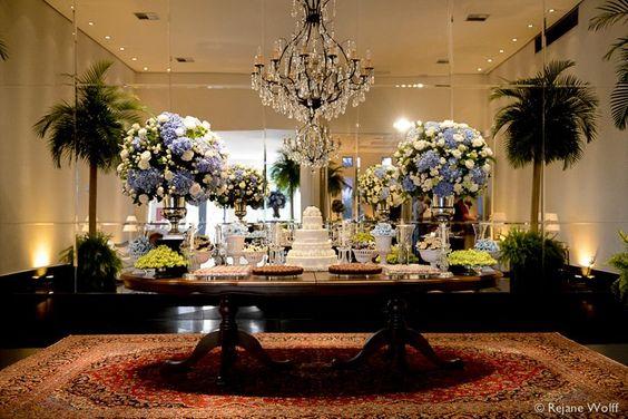 Mesa de bolo e doces Decoraç u00e3o de casamento em azul e branco, com hort u00eansias Decoraç u00e3o  -> Enfeites De Mesa Para Casamento Azul E Branco
