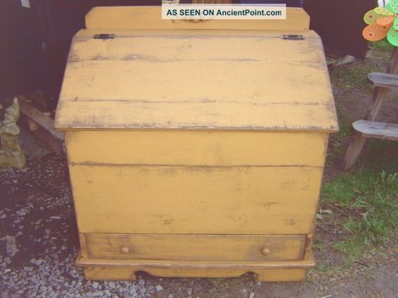 Amish Made Primitive Mustard Painted Blanket Chest W/drawer.