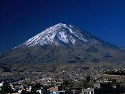 Arequipa is guarded by three dramatic volcanoes, the city enjoys a resplendent, if seismically precarious setting – earthquakes sometimes occur in this area, the last big one causing significant damage in 2001.