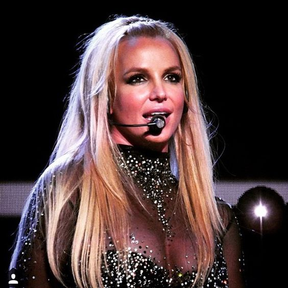 britney spears performing piece of me may 9, 2015