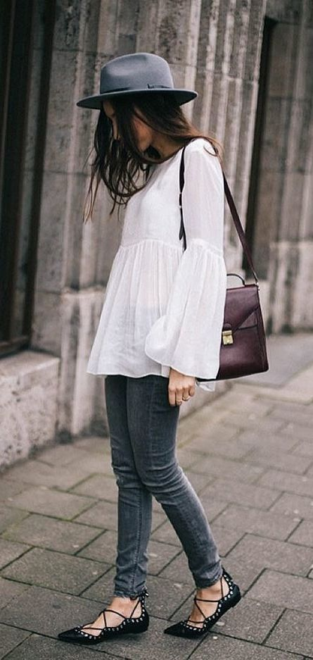 A White Bell-Sleeve Top, Skinny Jeans, Lace-Up Flats, and a Fedora:
