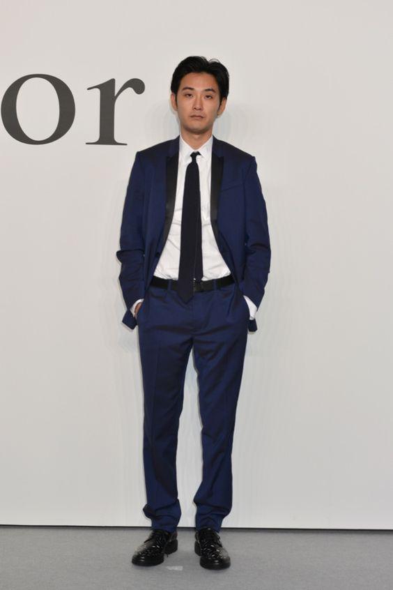 松田龍平のスーツスタイル