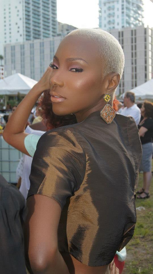 Glamorous Big Chop This Brown Beauty Went Blonde Black