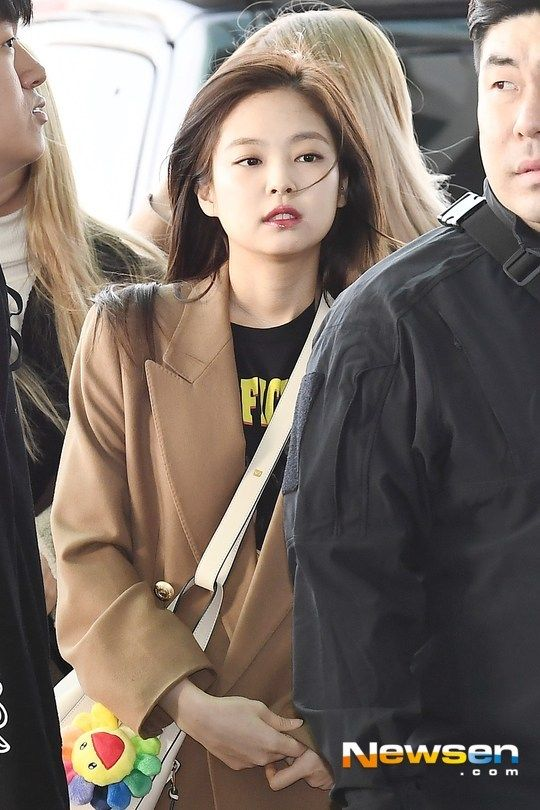 Jennie Airport Photos At Incheon To Malaysia On February 22 2019 Airport Photos Incheon Photo