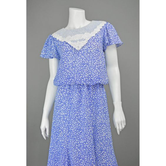 Sale on summer dresses 80s style