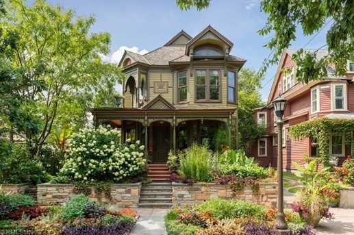 283 Avon Street N Saint Paul Mn 55104 Mls 5007620 Coldwell Banker American Houses Victorian Homes Victorian House Colors