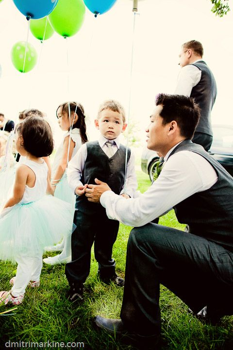 Stephen giving a pep talk to our very shy ring bearer  #ring bearer, #balloons, #wedding, #outdoor wedding, #groom  http://www.teardroppaperie.com