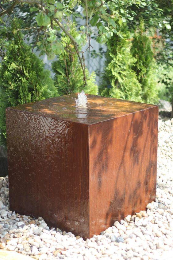 Wasserspiel im modernen Edelrost Design - Zierbrunnen made in - gartenbrunnen modernes design