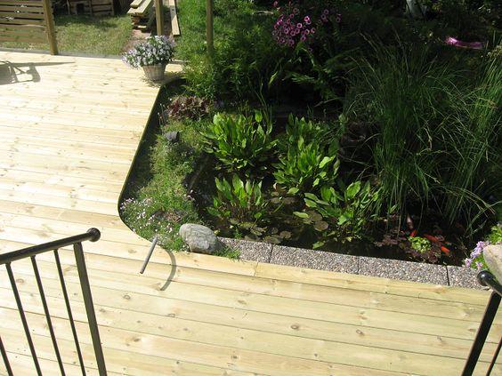 Damm inbyggd i altan, genialiskt! förses altanen med staket är det ...