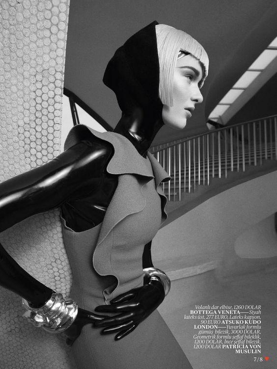 Elena Bartels by Benny Horne