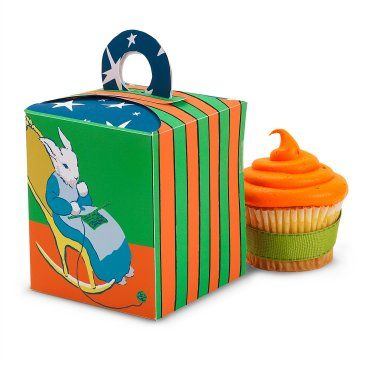 Such cute little cupcake boxes.