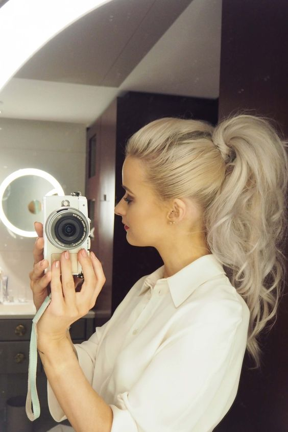Paris Fashion Week: Diary Edition - Inthefrow love the voluminous pony tail