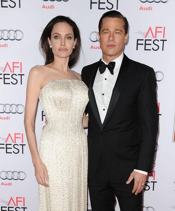 Pin for Later: 10 Couples de Célébrités Qui Se Sont Mariés en France Angelina Jolie et Brad Pitt Angelina et Brad se sont mariés en secret à Correns, sur la Côte d'Azur, le 23 Août 2014.