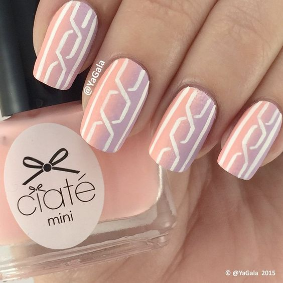 """""""Simple pastel nail design I use @ciatelondon """"Baby Doll"""", """"Poppet"""" and """"Paper Doll"""". These polishes have beautiful matte finish effect and I didn't…"""""""