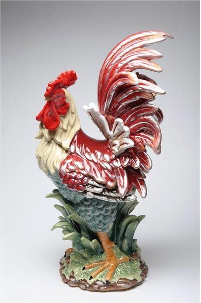 I gotta have roosters in my future home! I guess it's kinda sorta our thing