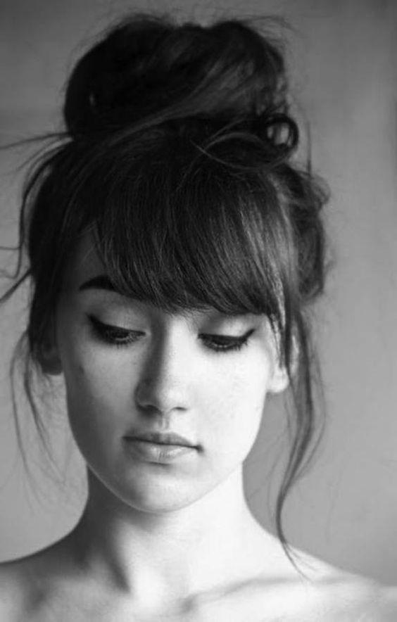 Coiffure avec frange effilée - 30 idées de coiffure avec frange pour un look qui change ! - Elle