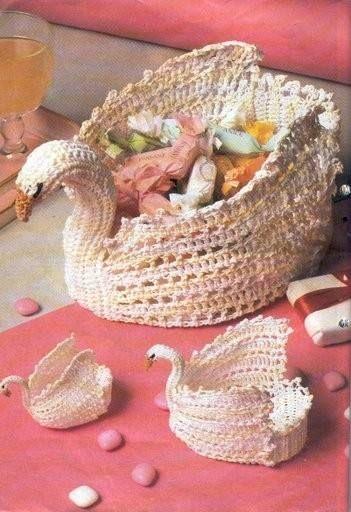 Ivelise Feito à Mão: Cisne Em Crochê