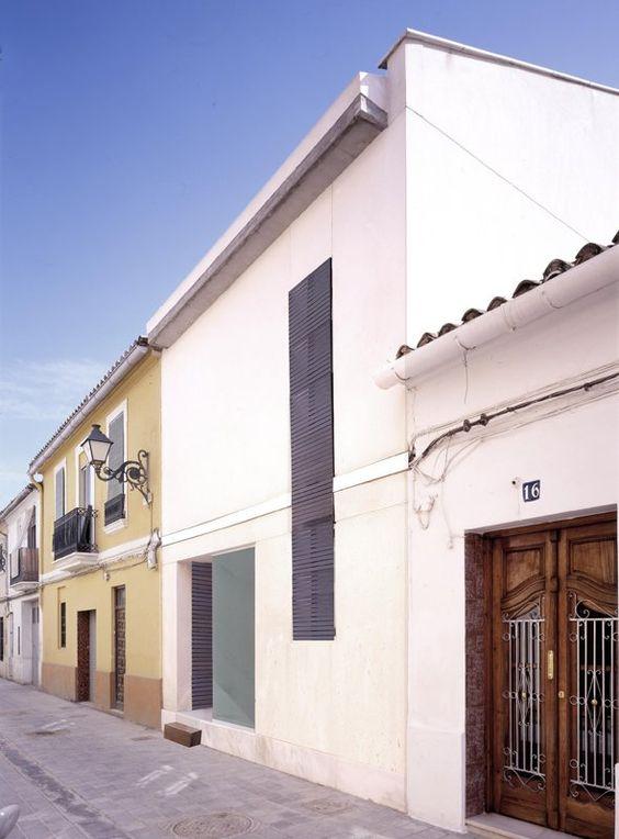 AYM House, Valencia, Spain by Manuel Cerdá Pérez: