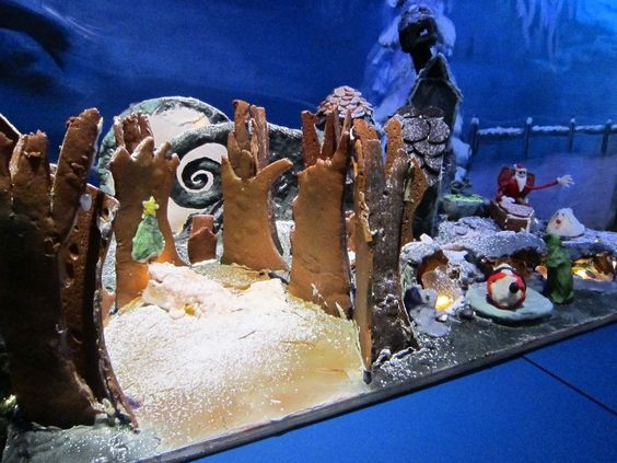 "Adult Division - ""The Nightmare Before Christmas."" The white moon is made of thinly-rolled gum paste so it glows went lit! (2013 entry): 2013 Entry, Rolled Gum, Gum Paste, Thinly Rolled, Gingerbread House Exhibition, Glow, White Moon"