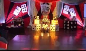Resultado de imagen para arreglos de mesa para fiesta de casino
