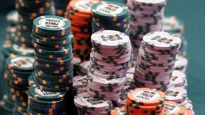 Das Glücksspiel wird von vielen Menschen gerne und schnell mit Betrug in Verbindung gebracht. Für einen Glücksspieler stehen nun 14 Monate Gefängnis auf dem Plan. Dies ist selten der Fall, denn so oft werden Betrüger nicht gefasst und zudem ist der Betrug meist nicht schwer genug, als dass die Personen hinter Gittern gehören.