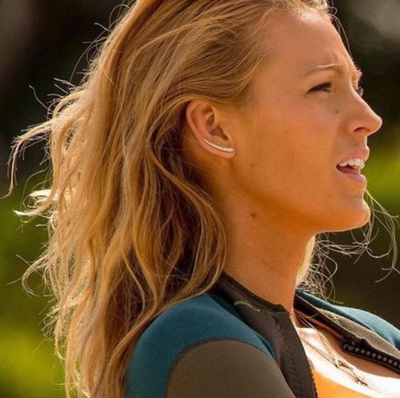 Blake Lively The Shallows Ear Crawlers