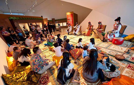 Khám phá sự tương quan giữa khoa học - nghệ thuật như tên của bảo tàng