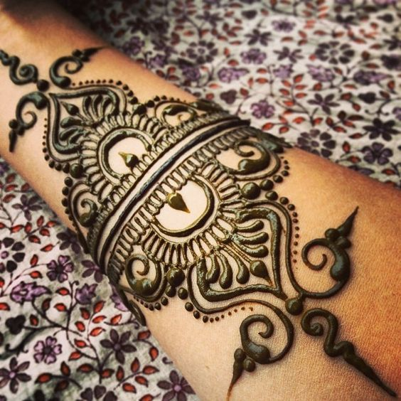 Pin By Mrs Jafri On Henna Gelang | Pinterest