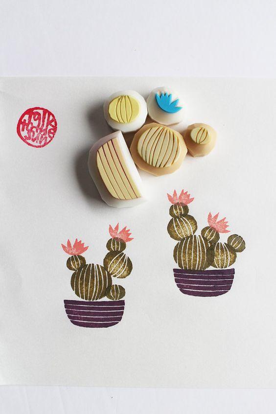 * cactus rubber stamp set/cactus pot main sculptée timbre en caoutchouc.  Il y a 5 pièces différentes. chaque timbre en caoutchouc est conçu et