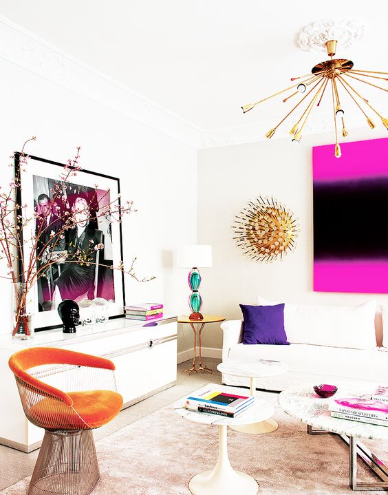 Inside a Groovy Pad Fit for a Queen// bright accents, pop of color