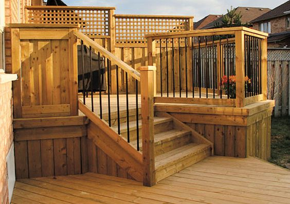 Deck fence designs deck fence ideas decking for Plan de patio exterieur en bois