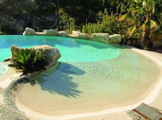 Pools natural pools and the lotto on pinterest - Piscinas de arena com ...