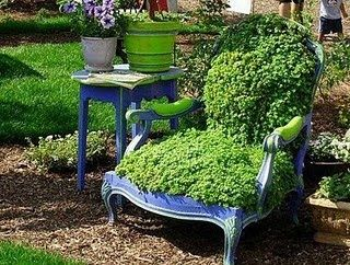 DIY tutorial on how to make your own growing, living chair :): Garden Chairs, Garden Ideas, Garden Art, Secret Garden, Chair Planter, Old Chairs