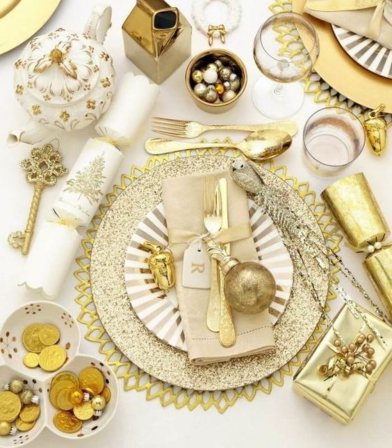 Gold And White Christmas Table Decorations luxurious tableware festive christmas table decoration ideas gold