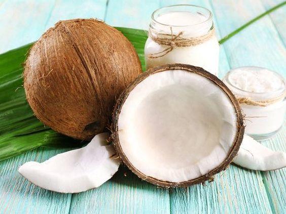 Как применять кокосовое масло для кожи и волос правильно ?