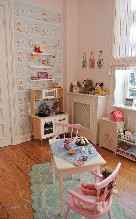 Little girls room in pastel colors by happyhomeblog.de wallquest ...