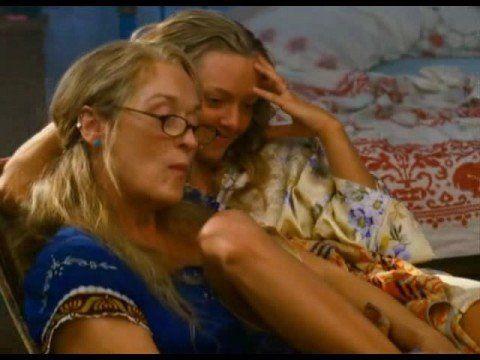 Slipping Through My Fingers - Meryl Streep, Amanda Seyfried  ---- jedes Mal Gänsehaut und zum Heulen schön - Abba at it's best