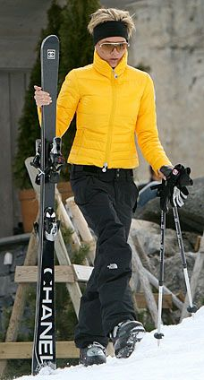 Victoria Beckham skiing