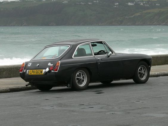 MGB GT RO-style rims